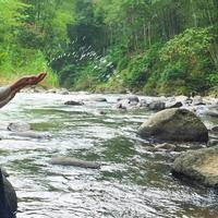 Laudya Cynthia Bella di tengah proses syuting film Ambu [foto: instagram]