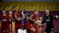 Inter Milan harus puas bermain imbang 0-0 kontra Fiorentina pada laga pekan ke-35 Serie A, di Giuseppe Meazza, Kamis (23/7/2020) dini hari WIB. (AFP/Filippo Monteforte)