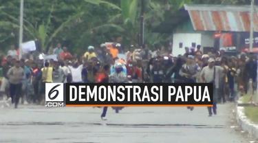 Warga Timika Papua gelar unjuk rasa hari Rabu (21/8/2019) pagi. Aksi demonstrasi tersebut mendapat pengawalan ketat dari anggota TNI-Polri.