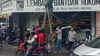 Kantor LBH Medan dilempar bom Molotov pada Sabtu, 19 Oktober 2019, sekitar pukul 02.30 WIB. Tim Inafis Polrestabes Medan yang tiba di Kantor LBH Medan sekitar pukul 13.30 WIB melakukan penyelidikan di lokasi kejadian.