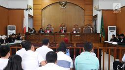 Terdakwa kasus dugaan penyebaran berita bohong atau hoaks Ratna Sarumpaet menjalani sidang lanjutan di PN Jakarta Selatan, Rabu (6/3/2019). Sidang tersebut beragendakan pembacaan nota keberatan atau eksepsi. (Liputan6.com/Herman Zakharia)