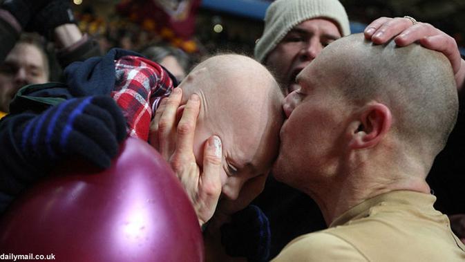Kalahkan Aston Villa, Kapten Bradford Cium Anak Kecil ...Babak Latefi Capital Health