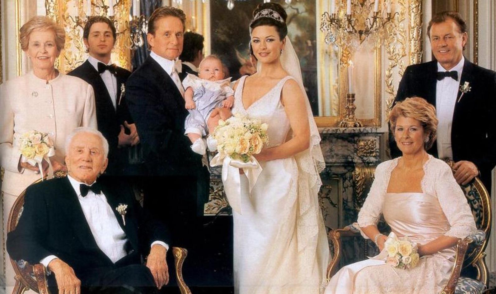 Catherine Zeta Jones saat menikah dengan Michael Douglas (E!)