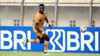 Pemain Bhayangkara FC, Ezechiel Ndouassel