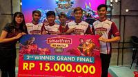 Tim PowerDanger dari Surabaya yang meraih juara dua di kompetisi Mobile Legends Smartfren 4G Battle (sumber: istimewa)