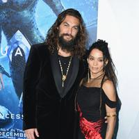 Jason Momoa bersama istrinya Lisa Bonet (Jon Kopaloff / GETTY IMAGES NORTH AMERICA / AFP)
