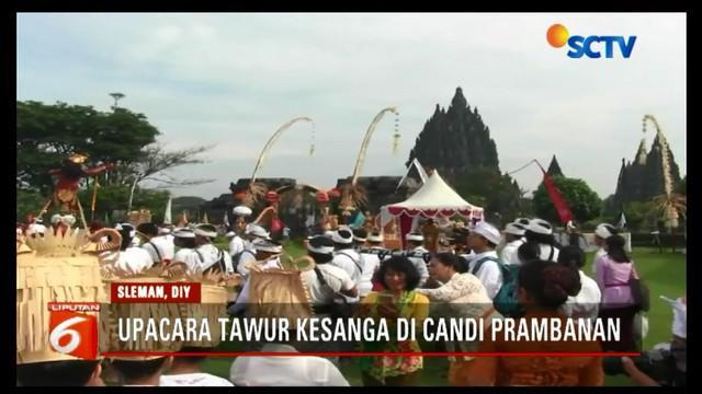 Umat Hindu gelar upacara Tawur Kesanga di Candi Prambanan, D.I Yogyakarta jelan Hari Raya Nyepi.