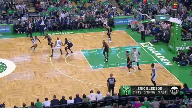 Berita video game recap NBA 2017-2018 antara Boston Celtics melawan Milwaukee Bucks dengan skor 113-107.