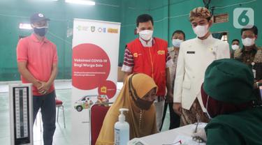 Mobil Klinik Indosat Ooredoo Berteknologi 5G Percepat Data Vaksinasi