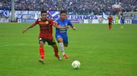 Duel leg pertama PSIS vs Persibat di Piala Indonesia 2018 (5/2/2019). (Bola.com/Vincentius Atmaja)