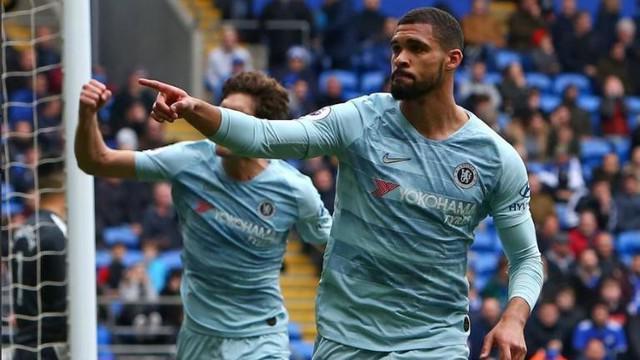 Berita video Chelsea bisa menang 2-1 atas Cardiff City dalam lanjutan Premier League 2018-2019. Hasil itu dianggap berbau keberuntungan bila melihat beberapa insiden yang terjadi.