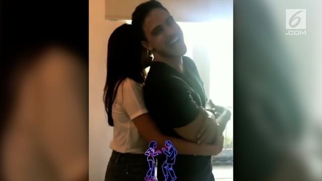 Video Raisa mencoba mengangkat badan sang suami, Hamish Daud.