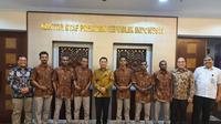 Kepala Staf Kepresidenan saat menerima 6 anak muda Papua dalam audiensi Papua membangun Indonesia. (Liputan6.com/ KSP)