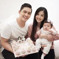 Keluarga kecil Franda dan Samuel Zylgwyn. (Foto: instagram.com/frandaaa87)
