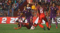 Pertandingan Persik Kediri versus Martapura FC pada putaran pertama Liga 2 2019. (Bola.com/Gatot Susetyo)