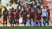 Pemain Liverpool merayakan gol Georginio Wijnaldum (tengah) pada laga Liga Inggris melawan Bournemouth di Anfield, Sabtu (9/2/2019). (AP Photo/Rui Vieira)