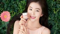 Merek kecantikan global ternama Clinique, menggandeng Irene sebagai brand ambassador untuk wilayah Asia Pasifik.