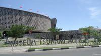 Peristiwa tsunami diabadikan dalam Museum Tsunami Aceh sekaligus sebagai sarana edukasi dan tempat perlindungan bahaya bencana alam.