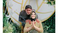 5 Momen Siraman 7 Bulan Kehamilan Istri Hansamu Yama, Penuh Khidmat (sumber: Instagram.com/yolla_wedding_planner)