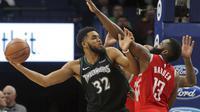 Karl Anthony Towns (32) memimpin Timberwolves mengalahkan Rockets di lanjutan NBA (AP)