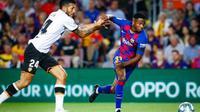 Winger belia Barcelona, Ansu Fati (kanan) ketika bermain melawan Valencia di Camp Nou dalam lanjutan kompetisi La Liga 2019-2020 (Foto: FC Barcelona)