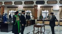 Imam Sutiono dilantik sebagai Wakil Ketua DPRD Tuban yang baru. (Ahmad Adirin/Liputan6.com)