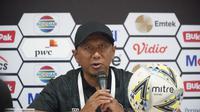 Pelatih Tira-Persikabo Rahmad Darmawan mulai mengukur lawan Persebaya Surabaya di laga pamungkas Grup A Piala Presidsn 2019. (Huyogo Simbolon)