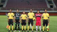 Wasit wanita bertugas di Piala Soeratin U-17 dan U-15 2017. (Bola.com/Dok. PSSI)