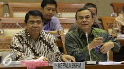 Kepala BKPM, Franky Sibarani saat menghadiri raker dengan Komisi VI DPR, Jakarta, Kamis (4/2). Raker yang seharusnya membahas  MEA Trans Pacific Partnership, Globalisasi, Gula, Beras, Garam harus Ditunda. (Liputan6.com/Angga Yuniar)