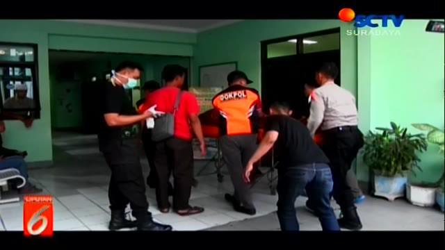 Nasib nahas dialami Heru Susilo (45), warga Jalan Genen, Kelurahan Banjarejo, Kecamatan Taman, Kota Madiun. Nyawa koordinator juru parkir tersebut melayang setelah ditusuk oleh orang tak dikenal.