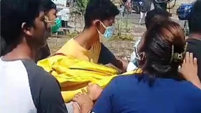 SILO Tak Terima Disebut Covid-19, Warga Ambil Paksa Jenazah di RS Siloam Kupang - Regional Liputan6.com