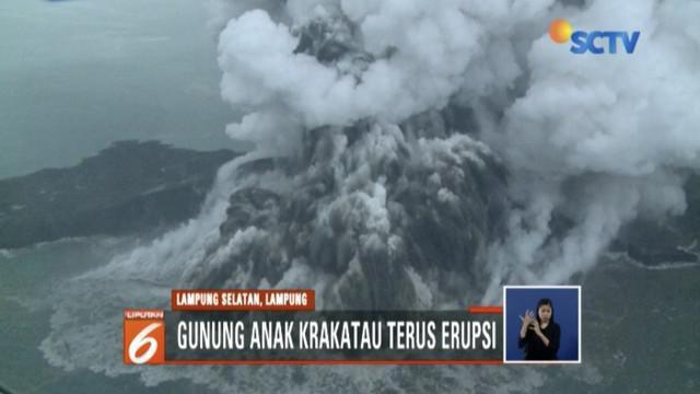 Aktivitas Gunung Anak Krakatau meningkat, masyarakat diimbau menjauh dalam radius 5 kilometer.