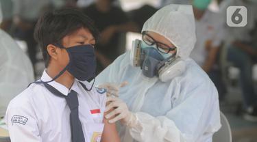 Vaksinasi Pelajar di Tangerang Selatan