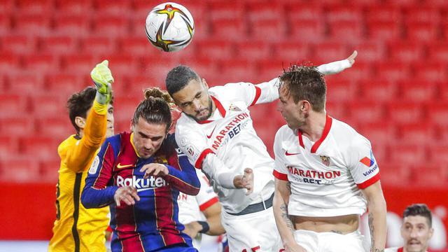 FOTO: Dibobol Sang Mantan, Barcelona Tumbang di Markas Sevilla