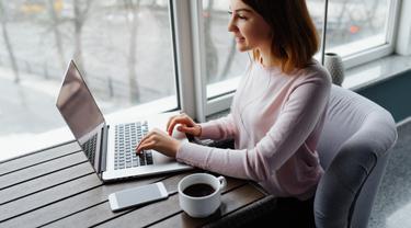 Orang Produktif Kerja Cerdas, Orang Sibuk Kerja Keras