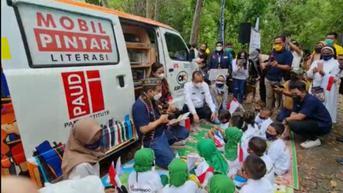 Perluas Akses Pendidikan di Pelosok, Mobil Pintar Askrindo Hadir di Labuan Bajo