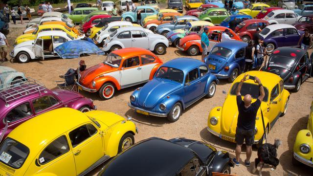 Ratusan Mobil VW Kodok Dipamerkan dalam Ajang Pertemuan Beetle Club