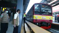 Ketua Gugus Tugas Percepatan Penanganan Covid-19, Doni Monardo meninjau aktivitas di Stasiun Manggarai, Jakarta Selatan, Senin (8/6/2020). Doni optimistis masyarakat siap menghadapi new normal. (Dok Gugas Covid-19)