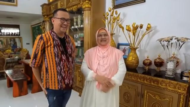 Melongok Rumah Mamah Dedeh Yang Dominan Sentuhan Emas Lifestyle Liputan6 Com