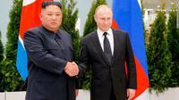 Pemimpin Korea Utara Kim Jong-un dan Presiden Rusia Vladimir Putin di Vladivostok, Kamis 25 April 2019 (Alexander Zemlianichenko / AP PHOTO)