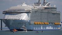 Kapal pesiar raksasa ini lebih besar dari kapal lainnya. Mei ini, Harmony of the Seas baru saja berangkat dari Saint-Nazaire, Perancis.