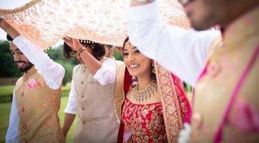 Ilustrasi pernikahan India