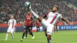 Choupo-Moting bergabung dengan PSG dengan status bebas transfer dari Stoke City yang terdegradasi dari kompetisi Premier League pada musim 2018. (AFP/Valery Hache)
