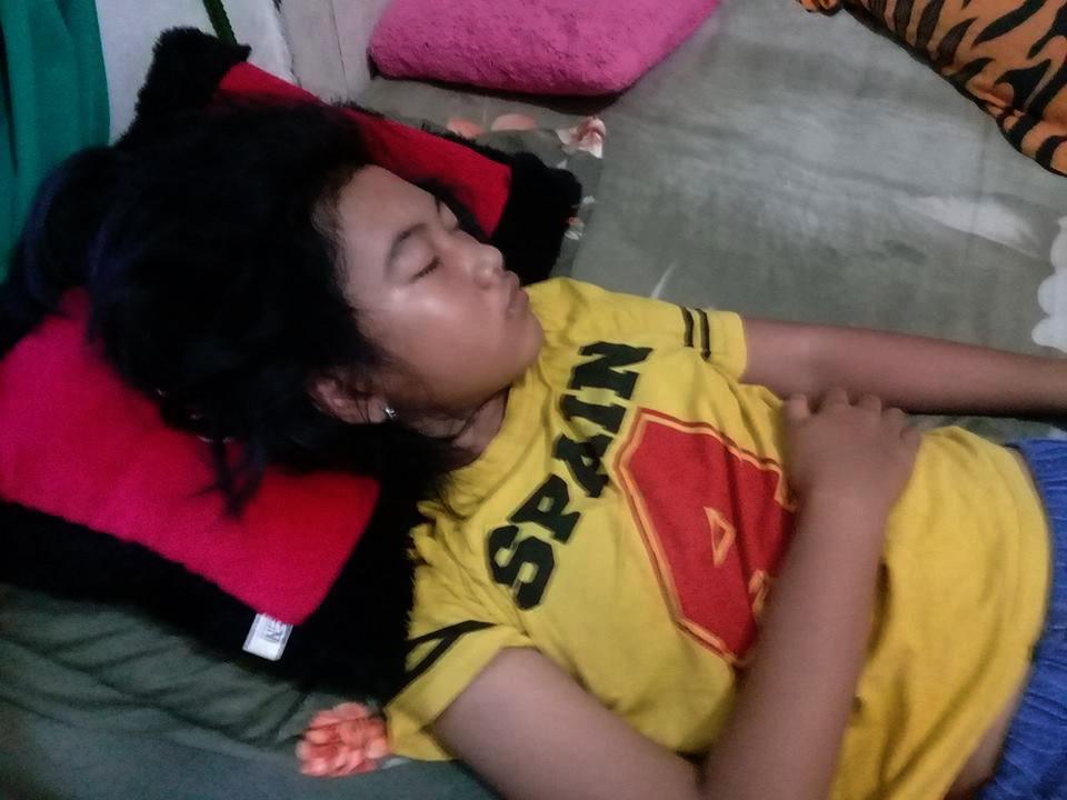 Siti Raisa Miranda alias Echa, remaja putri asal Banjarmasin, Kalimantan Selatan, kembali terlelap pulas, sehingga membuat keluarganya khawatir. (Foto:   Istimewa/Facebook/akun Moel Ya Lo Ve)