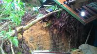 Ibu yang meninggal sedang mengandung tujuh bulan saat meninggal tertimbun longsor di Sibolga. (Liputan6.com/Reza Efendi)
