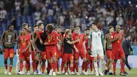 Para pemain Belgia melakukan selebrasi usai mengalahkan Jepang pada laga 16 besar Piala Dunia di Stadion Rostov, Senin (2/7/2018). Belgia menang 3-2 atas Jepang. (AP/Natacha Pisarenko)