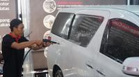 Autoglaze Indonesia menghadirkan sebuah layanan cuci mobil menggunakan teknologi tinggi dan ramah lingkungan. (M. Ikbal / Otosia.com)