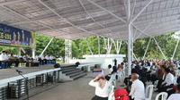 Pertemuan Pemkot Batam dengan para kepala sekolah dan guru hinterland di panggung utama Dataran Engku Putri, Batamcenter, Rabu (23/12/2020). (Liputan6.com/ Ajang Nurdin)