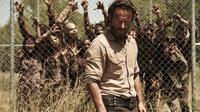 Dengan kelakuan yang semakin tak biasa dari episode ke episode, apakah Rick, karakter utama The Walking Dead mulai kehilangan kewarasannya?