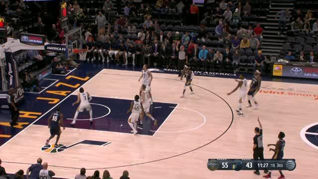 Utah Jazz mengalahkan New Orleans Pelicans dengan skor 114-108 dalam lanjutan pertandingan NBA 2017-2018.